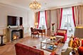 Fairmont Hotel Vier Jahreszeiten Hamburg - Sample Alster Suite - Admiral's Suite - Royal Red 2 - -® Guido Leifhelm.jpg